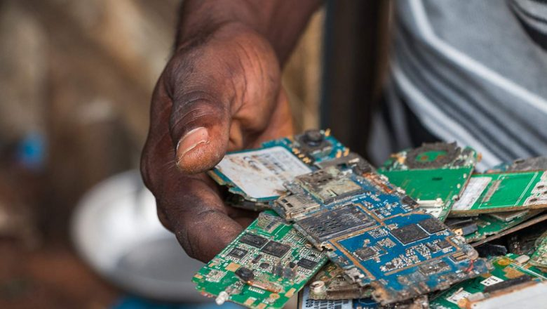 A Green Electronic Recycling Approach For Electronics Users and the Environment